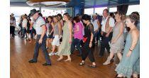 Line Dance Cruise sur le MobiCat