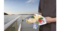 Folies de poissons sur le catamaran MobiCat