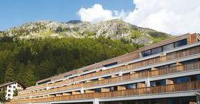Nira Alpina, Silvaplana