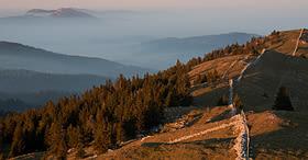 Extended hike through the Vaud Jura regional park