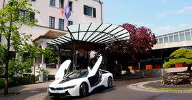 Park & BMW i8