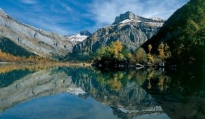 Alp Deborance, Wallis