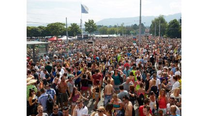 Street Parade – The World's Largest Techno Party in Zurich ...
