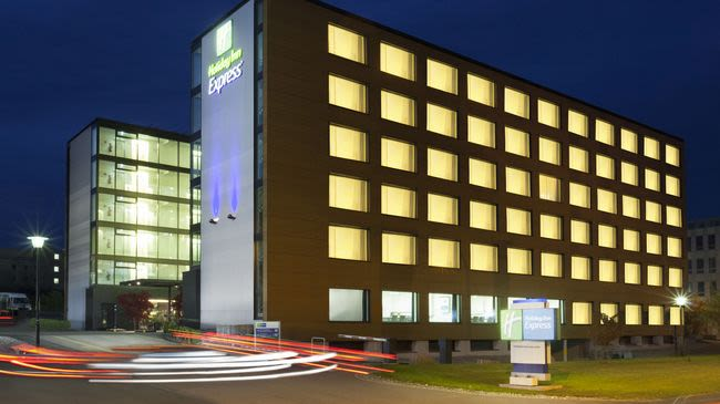 Hotel Holiday Inn Express Zurich Airport Zürich Rümlang Switzerland Tourism