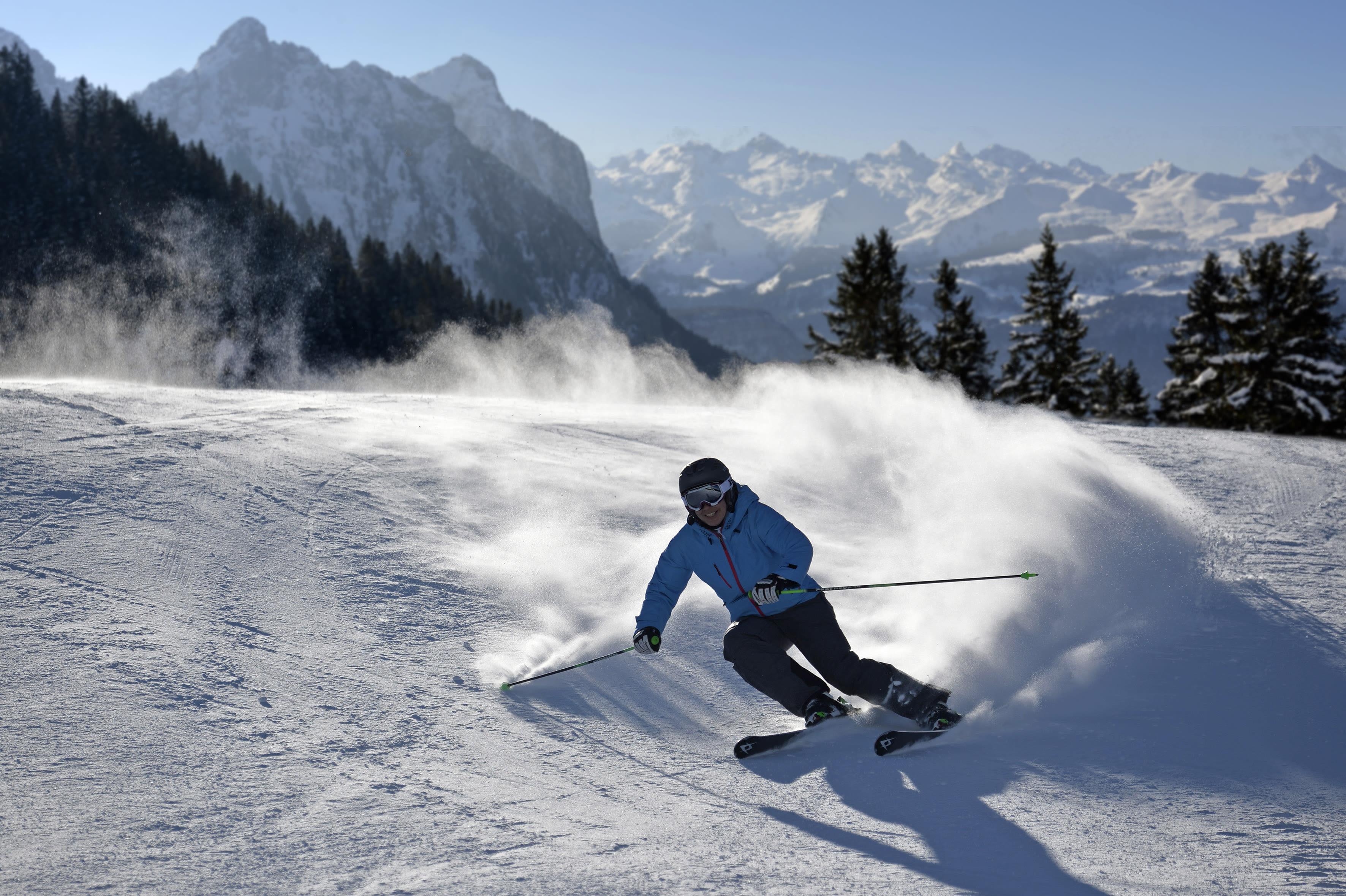 Schneebericht sattel hochstuckli wetter pistenbericht for Designhotel skigebiet